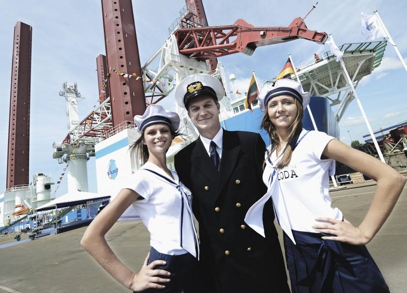 Taufe von Offshore-Kranschiff